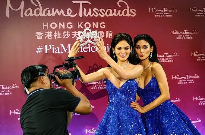 Miss Universe Pia Wurtzbach Makes History as 1st Filipino Wax Figure!