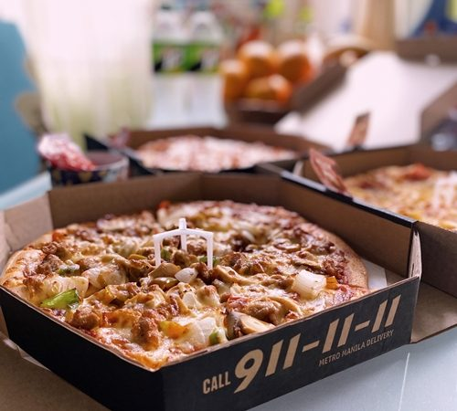Pizza Hut's Triple Treat Pizzas for Only P499